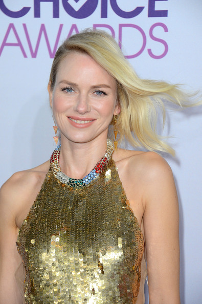 a photo of Naomi Watts at the People's Choice Awards
