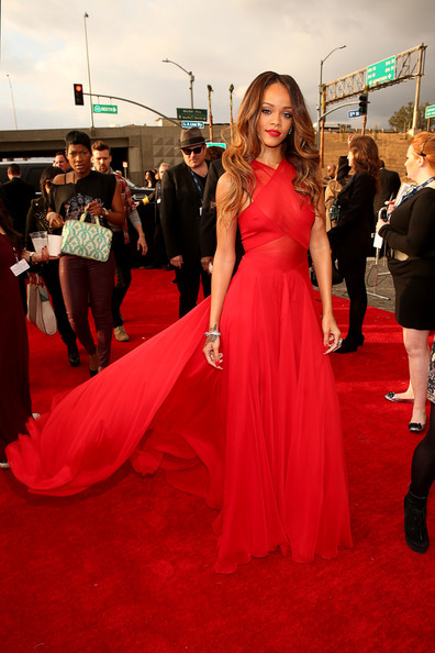 an image of Rihanna at the Grammy Awards 2013